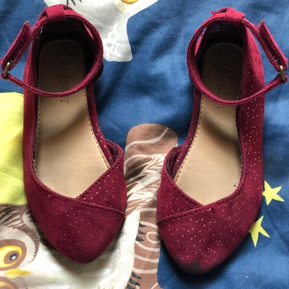 NWT Old Navy Toddler Girls 5 7 8 9 or 11 Burgundy Sparkle Ankle Strap Shoes